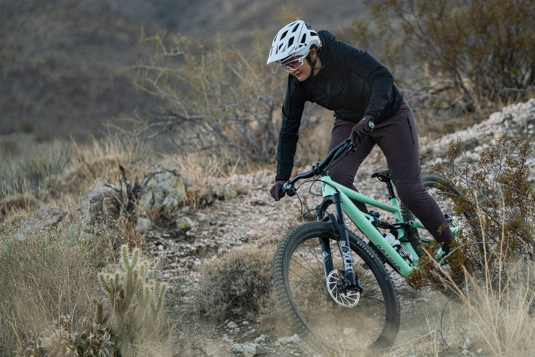 Specialized_S21_MTB_Clothing_Palm_Springs_VanWeelden-349